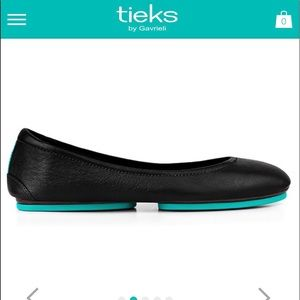 Black matte Tieks